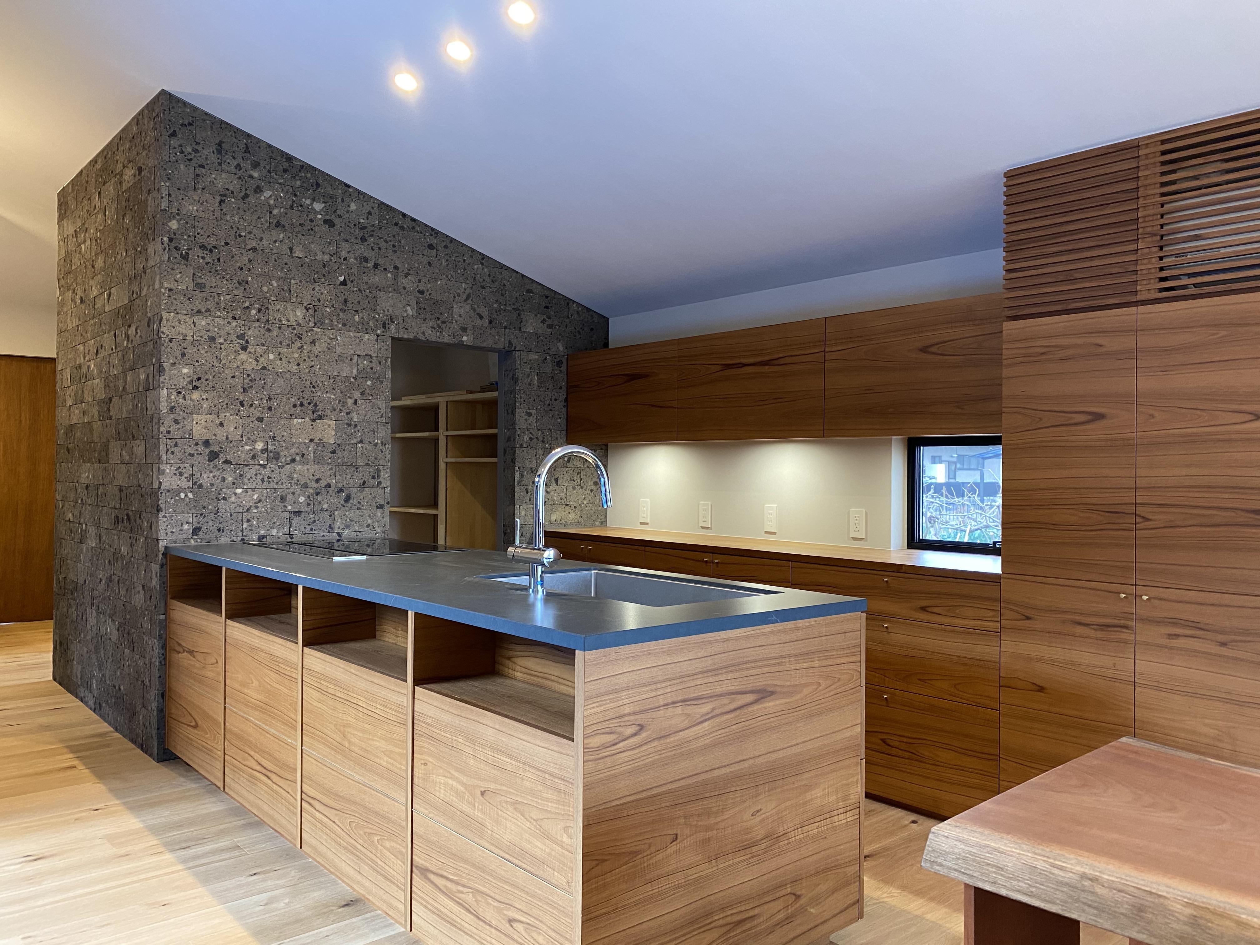 キッチン&壁面収納